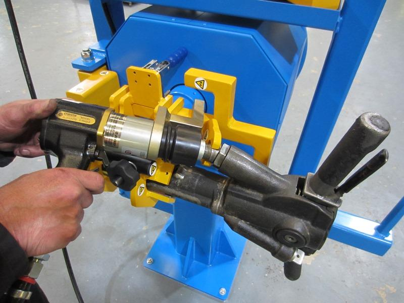 Use of the C-RAD5 Pneumatic Torque Tool for removal/refitting of couplings.